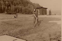 6 Dokončovací práce - rovnání terénu LK  10/1988