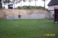 Stavba opěrné zdi